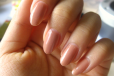4. almond shaped manicure
