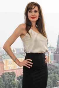 Angelina_Jolie_25_July_2010_2