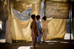 Anja Niedringhaus_AP_PakistaniChildren