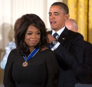 Oprah_Winfrey_receives_2013_Presidential_Medal_of_Freedom