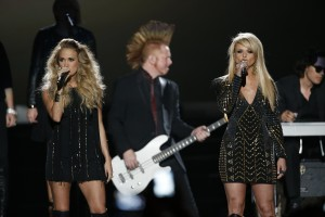 Ladies Take Over CMT Awards